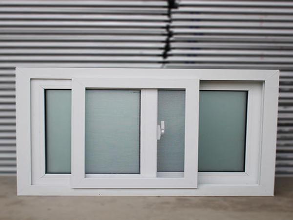塑钢型材添加荧光增白剂的主要目的是什么?
